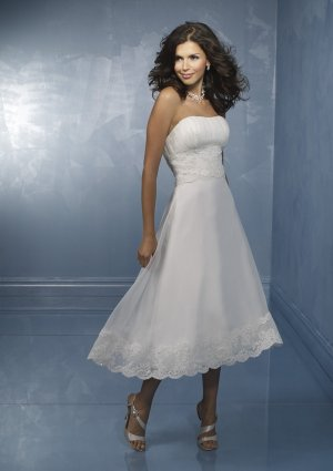 A-line/Princess Strapless Cathedral Satin wedding dress for brides 2010style(DEX0016)