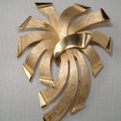 BROOCH (PIN): Trifari Vintage Women's Gold Firework