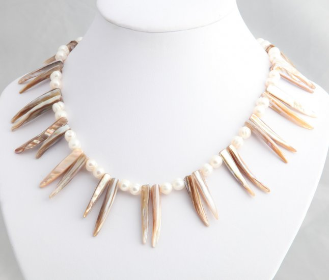 Exotic Mother of Pearl Necklace with Pearls