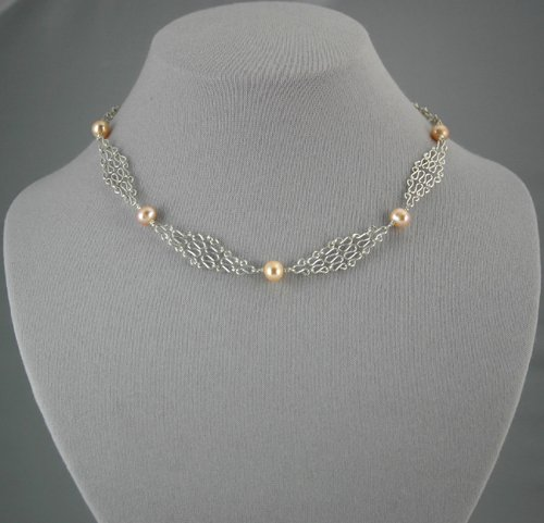 Silver Mesh Chain Peach Pearl Necklace