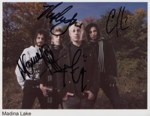 "Madina Lake FULLY SIGNED 8"" x 10"" Photo + Certificate Of Authentication  100% Genuine"