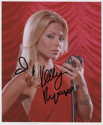 Kelly Ripa SIGNED Photo + Certificate Of Authentication 100% Genuine