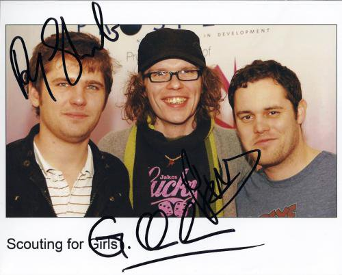 """Scouting For Girls FULLY SIGNED 8"""" x 10"""" Photo + Certificate Of Authentication  100% Genuine"""