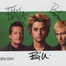 """Green Day (Band) FULLY SIGNED 8"""" x 10"""" Photo + Certificate Of Authentication  100% Genuine"""