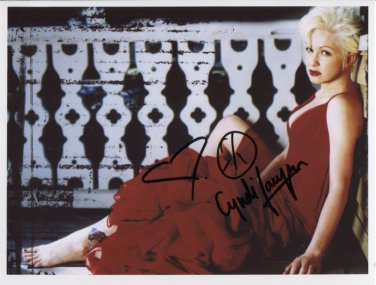 """Cyndi Lauper SIGNED 8"""" x 10"""" Photo + Certificate Of Authentication  100% Genuine"""