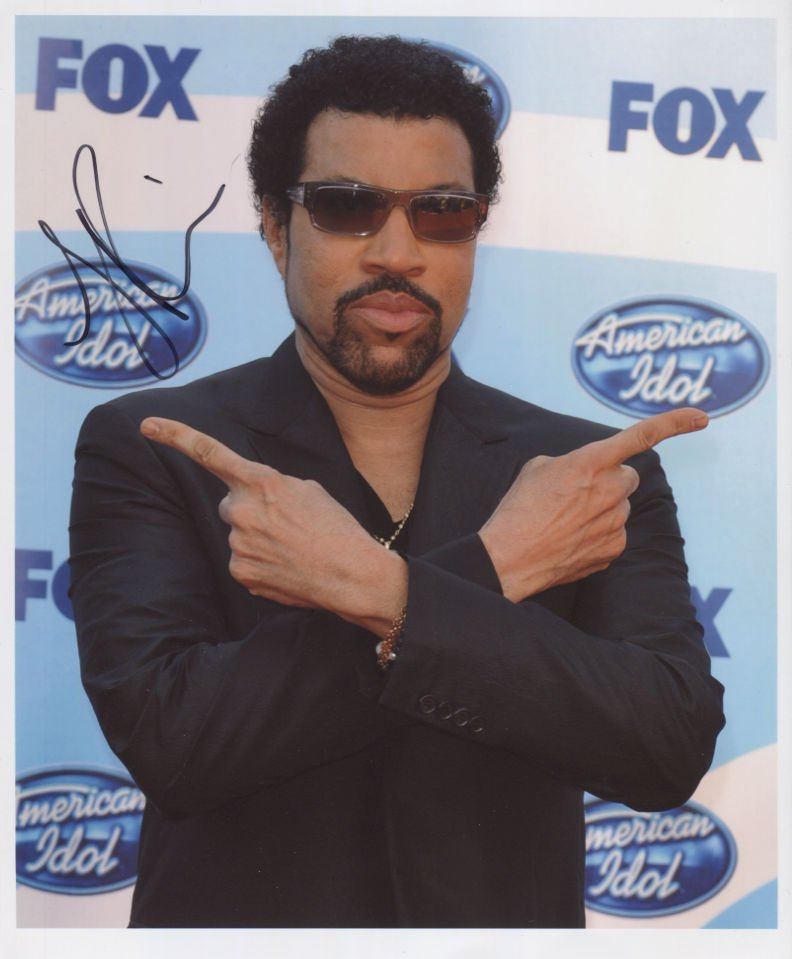 Lionel Richie SIGNED Photo + Certificate Of Authentication 100% Genuine