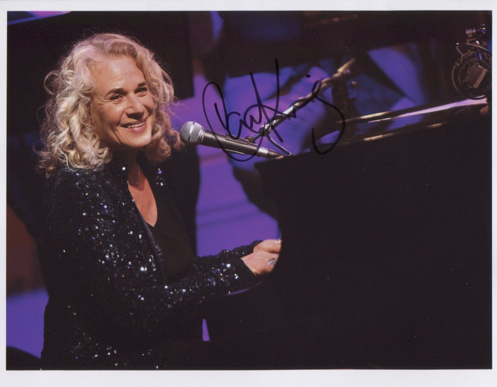 "Carole King (Singer) SIGNED 8"" x 10"" Photo + Certificate Of Authentication 100% Genuine"