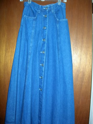 SZ 4  New York Line - NWOT - dark denim skirt...