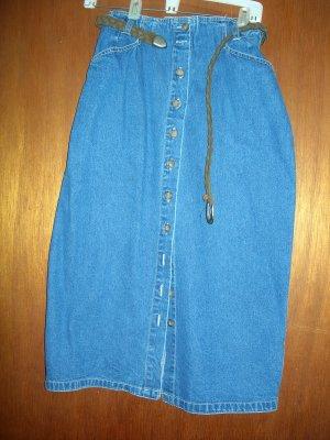 10 Petite Gloria Vanderbilt denim skirt and belt - NWOT
