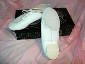 size 12.5 Child White Split Sole Jazz shoes SRP $43.50