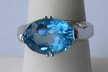 Gorgeous Large London Blue Topaz 10K Solid Gold Ring