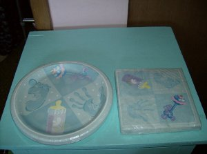 BRAND NEW BABY BLUE PARTY PLATES AND MATCHING PAPER NAPKINS