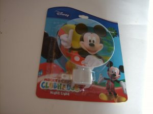 BRAND NEW MICKEY MOUSE CLUBHOUSE NIGHT LIGHT