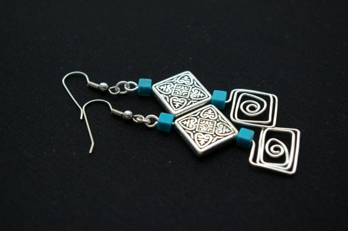 Handmade free form Wire Earring (Square Dance)