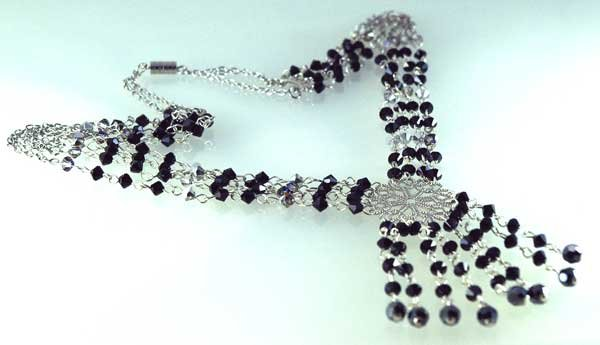 Handmade Crystal Beads Necklace (Black Mystic)