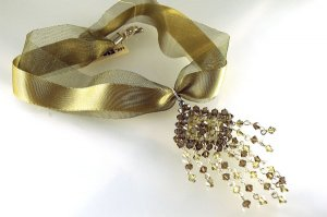 Handmade Crystal Beads Wire Necklace (Gold Dust)