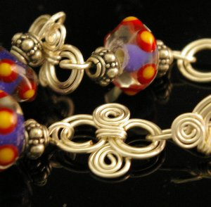 Handmade Wire and lampwork Braclet (Floss)