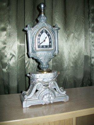 Antique Waterbury Mantle Clock