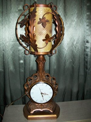 Antique Art Deco United Clock Corp. Clock/Lamp