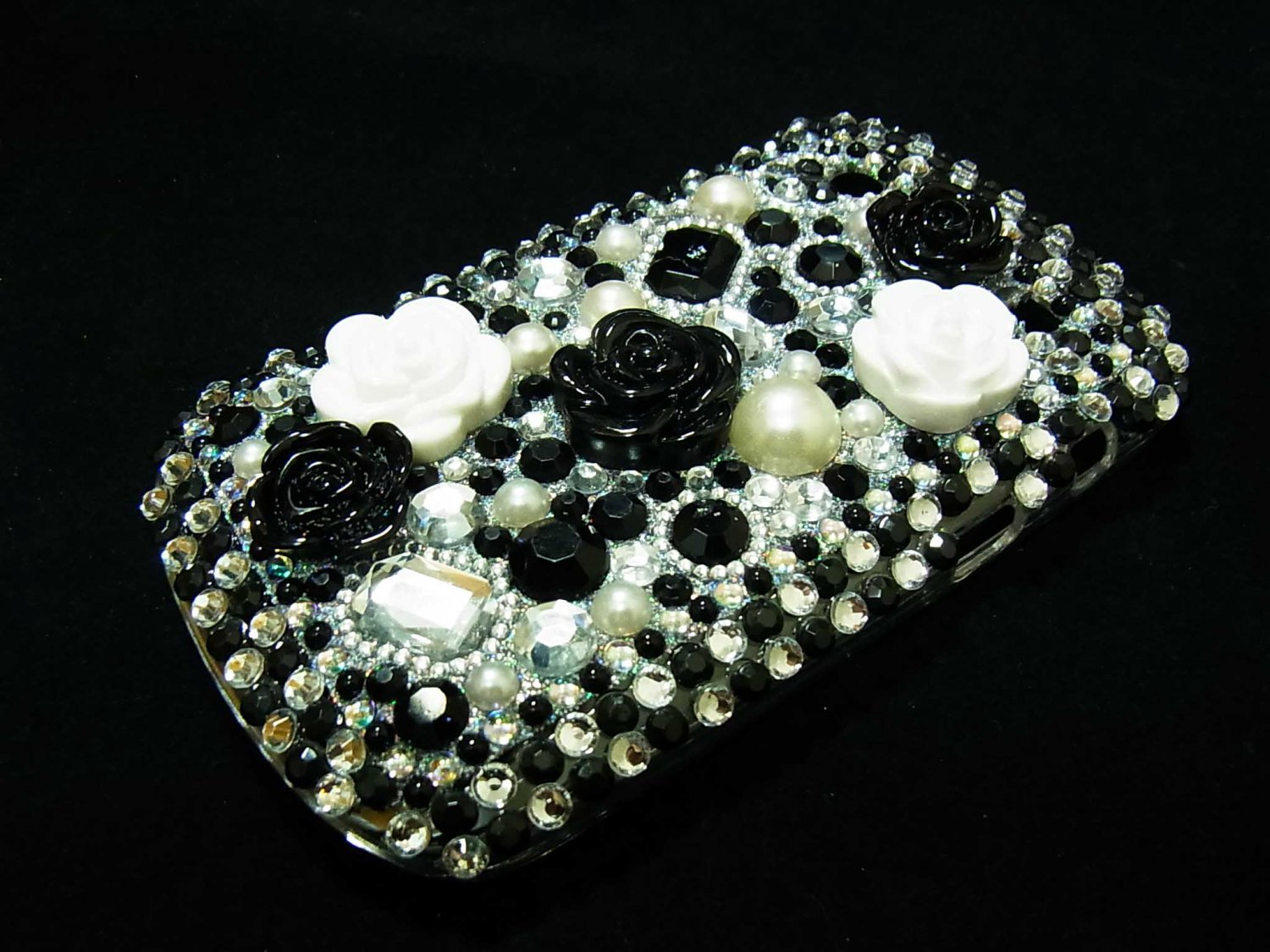 Bling Rhinestone Crystal Black White Flower Case Cover for Blackberry 9900 9930 Bold FB