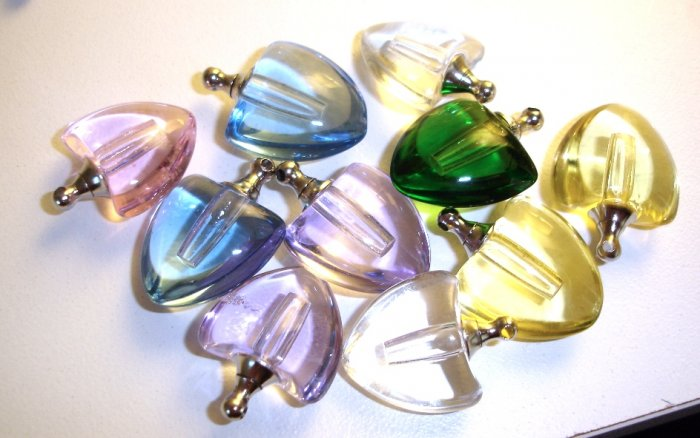 10 Beautiful assorted crystal hearts with vials for scents