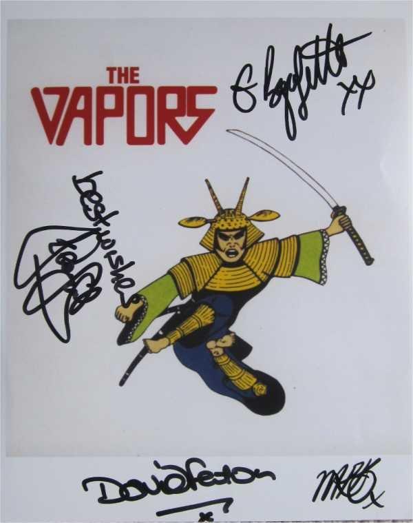 SUPERB VAPORS SIGNED PHOTO + COA!!!