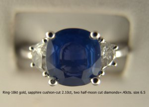 Ring-18kt gold, fine blue sapphire cushion-cut 2.10ct