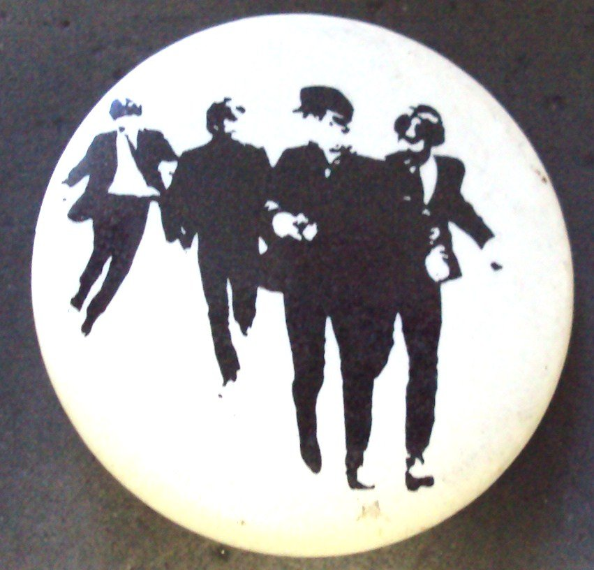 THE BEATLES Old HELP Pin Button Fab FOUR Paul McCartney
