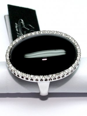 MADE IN ITALY VALENZA 18K WHITE GOLD RING, WITH BIG .096 oz. ONYX STONE & 0.70 KT DIAMONDS