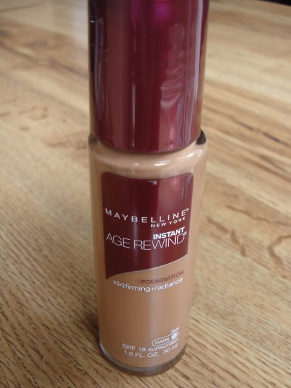 Maybelline Instant Age Rewind Foundation - Tan