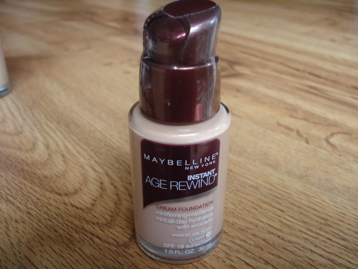 Maybelline Instant Age Rewind Cream Foundation - Porcelain Ivory