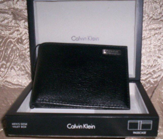 Calvin Klein All Leather Bi-Fold Wallet in Black