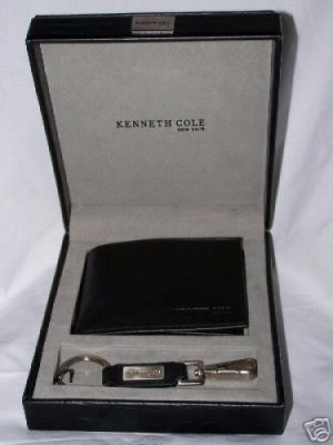 Kenneth Cole Cowhide Bi-Fold Passcase Wallet with Matching Key Fob in Black