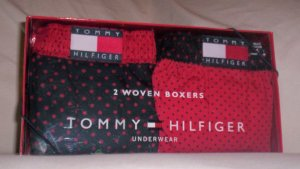 Gift Set of 2 Tommy Hilfiger X-Large Woven Boxers in Red and Navy Blue