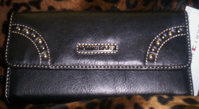 Tommy Hilfiger New Picture That Black Leather Clutch Wallet with Checkbook Cover