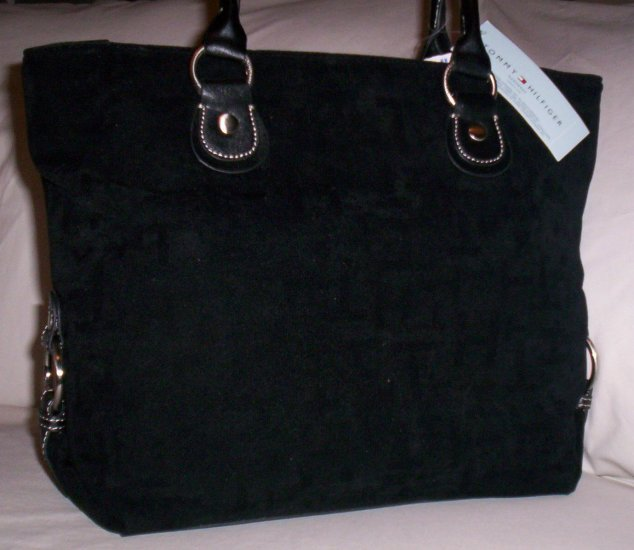 Tommy Hilfiger Snapped Up Velvet Logo Print Medium Tote Handbag in Black
