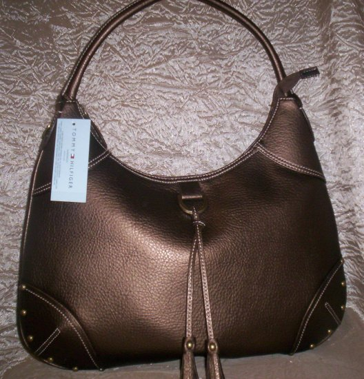Tommy Hilfiger Vail Large Hobo in Bronze