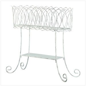 BASKET-STYLE PLANT STAND