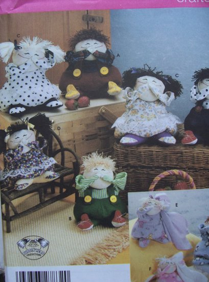 Simplicity Crafts Pattern 5015 - Decorative Dolls in Two Sizes