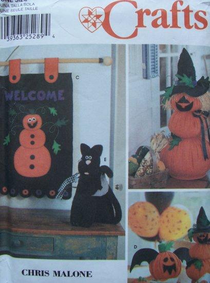 Simplicity Crafts Pattern 9921 - Felt Halloween Decorations
