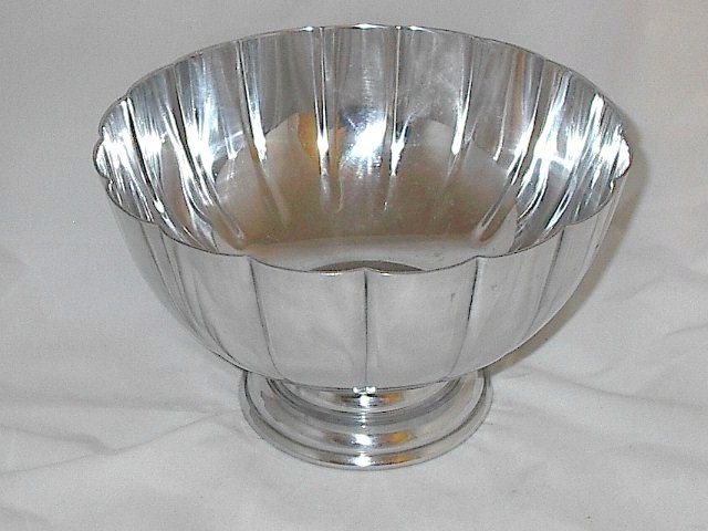 Silver Scalloped Serving Punch Bowl