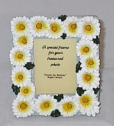 5.5 Inch Tall Ceramic White and Yellow Daisy Photo Frame