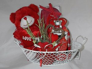 Valentine's Day Deluxe 'Bare My Heart to You' Gift Basket