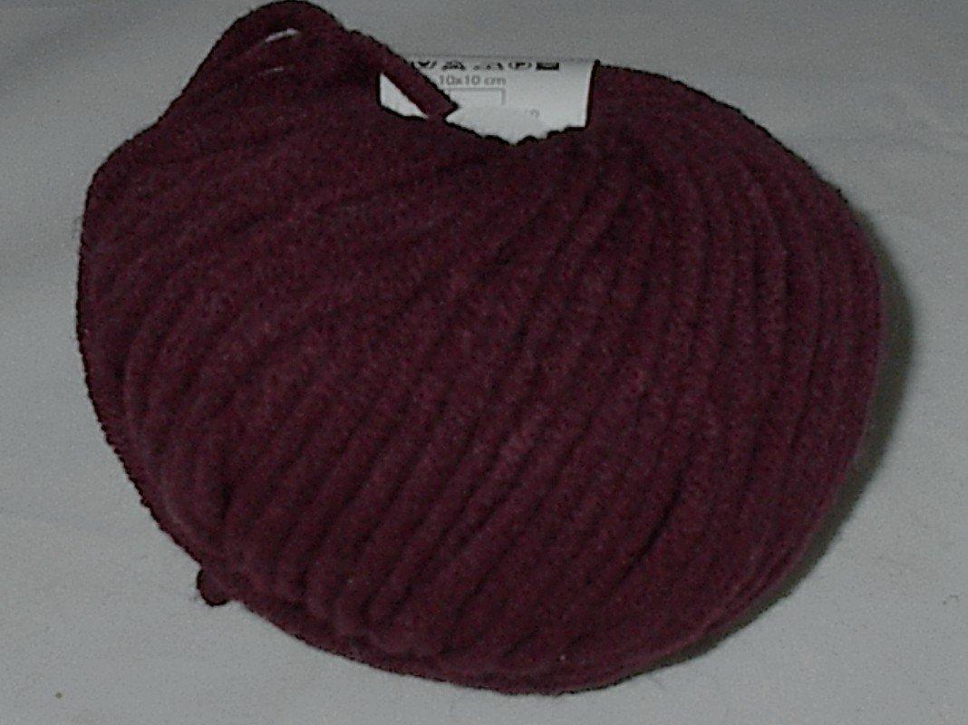 GGH Aspen Muench Super Bulky Yarn Red (#006)