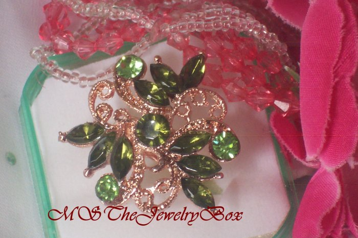 Large Green Crystal Fashion Cocktail Ring Vintage Look
