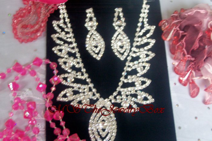 WHITE CLEAR RHINESTONE CRYSTAL BRIDAL NECKLACE EARRING SET