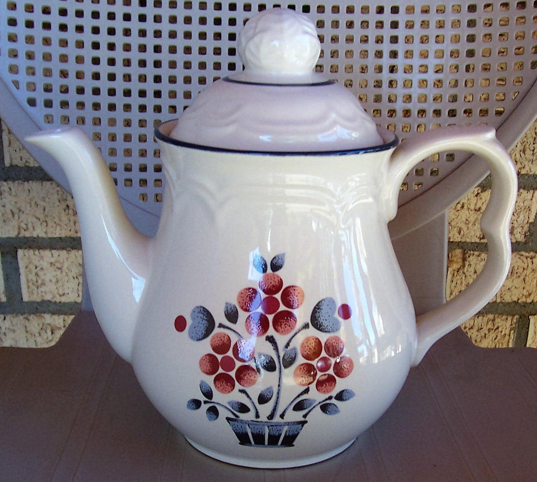 Hearthside Cumberland Brambleberry Teapot 7 Cup Floral Stoneware Japan