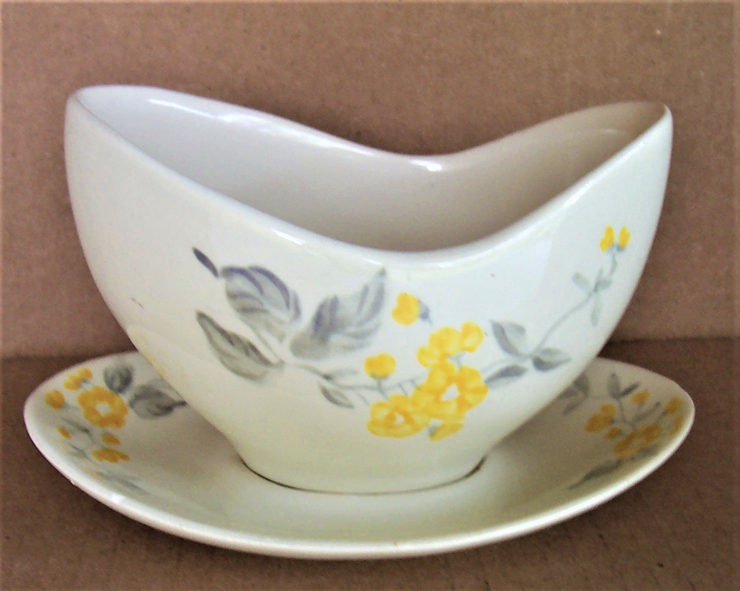 Red Wing Pottery LUPINE Gray/Sauce Boat 1950's Rare