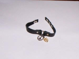 Leather Bracelet w/Peace Sign & Stone Snap Closure Black NEW!