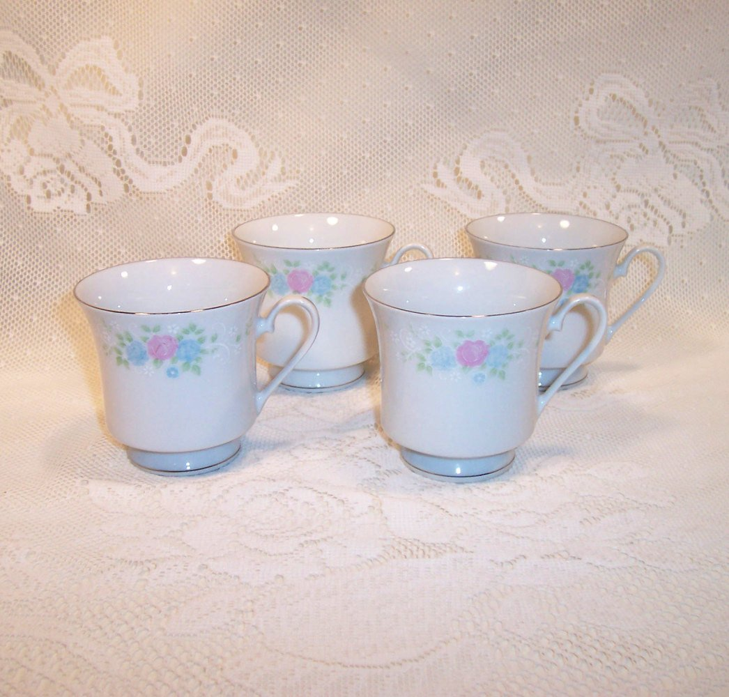 Prestige - China Garden - Set of 4 Footed Cups Pink and Blue Flowers